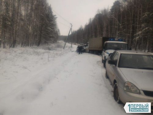Водитель погиб. На выезде из Чебаркуля грузовая «ГАЗель» смяла «Матиз»