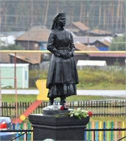 Подвиг женщины. В деревне Попово появился памятник нагайбачке