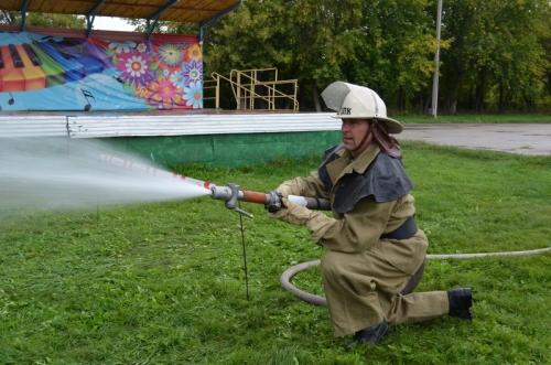 Отличились профессионализмом. Чебаркульские пожарные стали вторыми на областных сборах