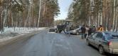 Попал под «пресс». Трактор раздавил «Ларгус» на дороге Бишкиль – Варламово